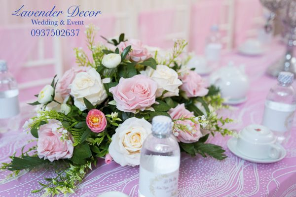 trang tri gia tien 30 600x400 - Bật mí các loài hoa dùng trong trang trí gia tiên